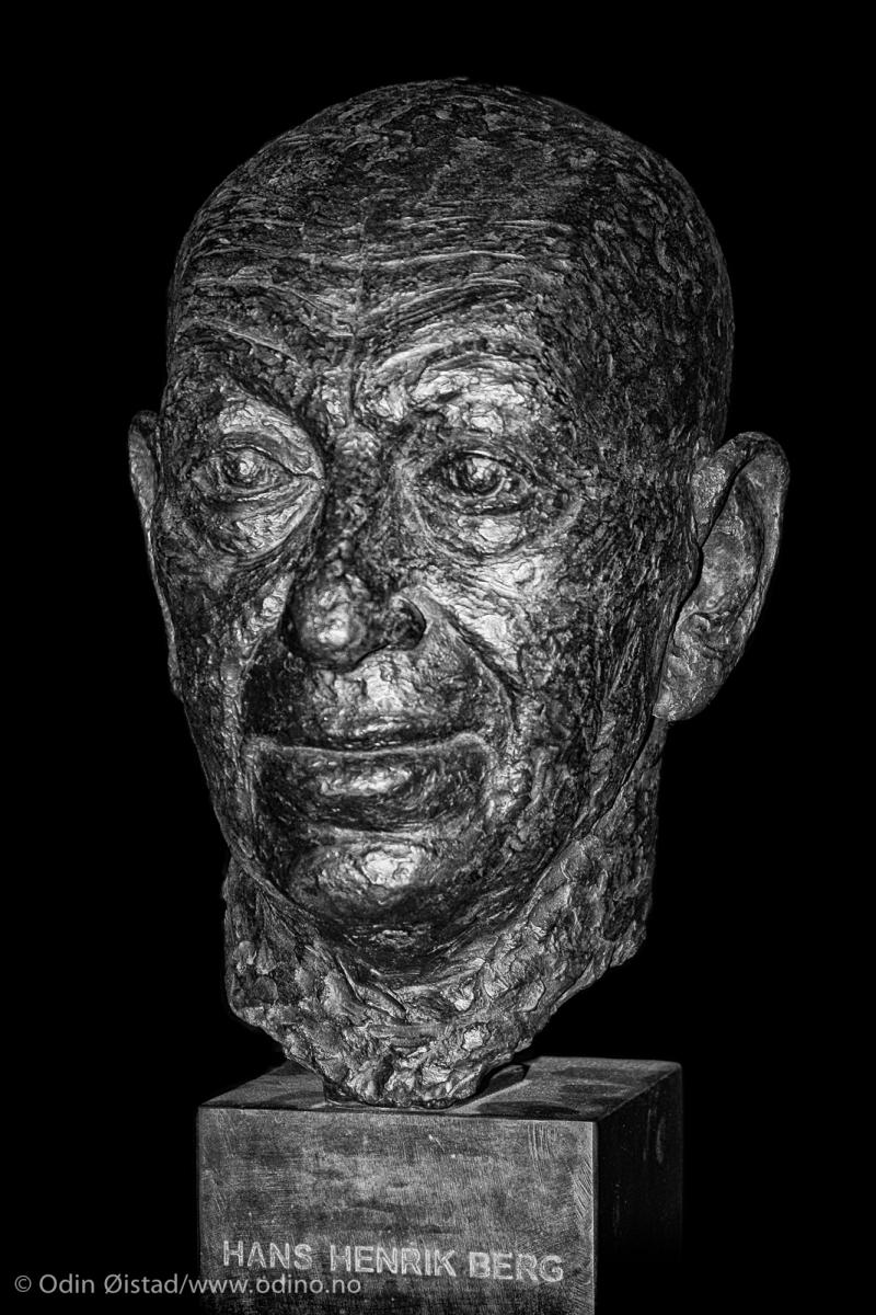 Hans Henrik Berg • Bronze