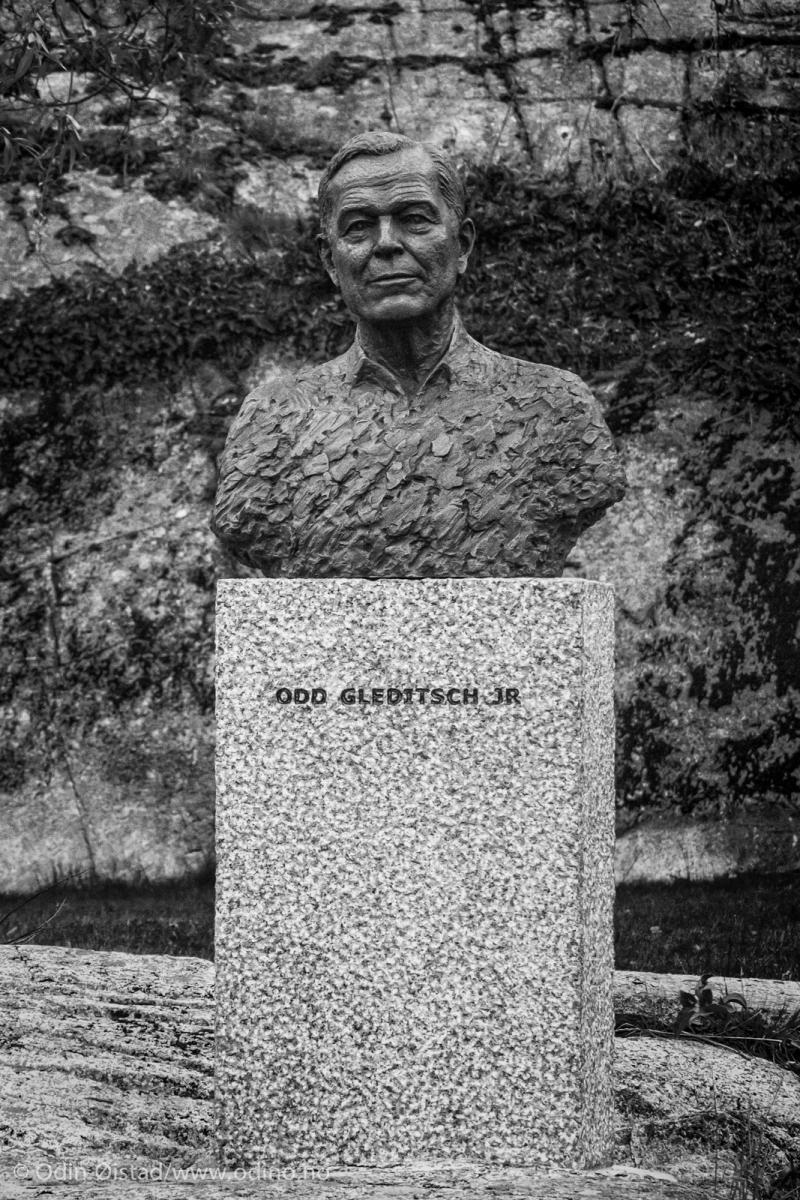Odd Gleditsch jr • Jotun AS • 2009 • Bronze and Larvikite