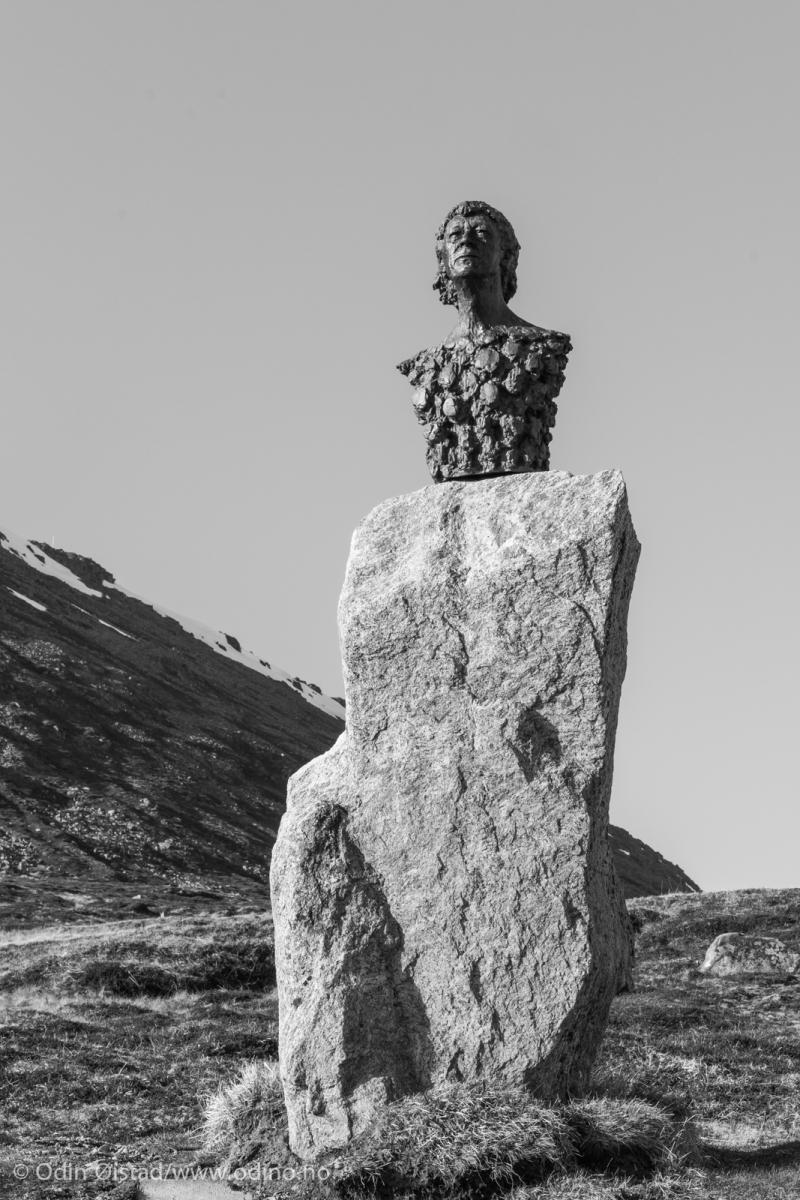 Knut Erik Jensen Monument  2005 Honningsvåg